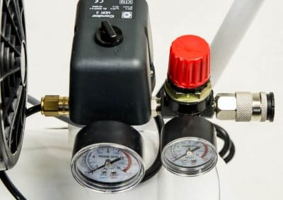 All Easy Piston Compressors have pressure reducers.
